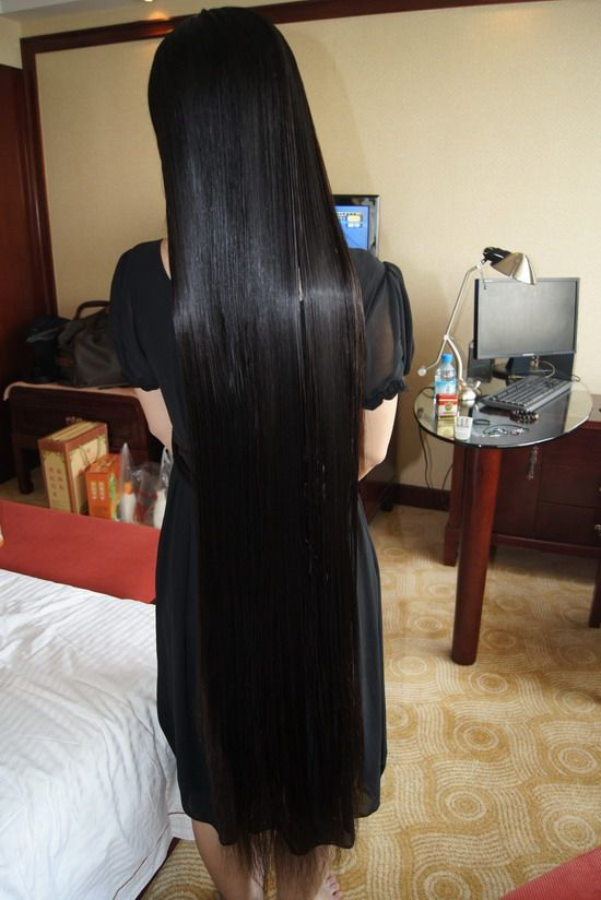 Xiaomonv Has Knee Length Silky Long Hair