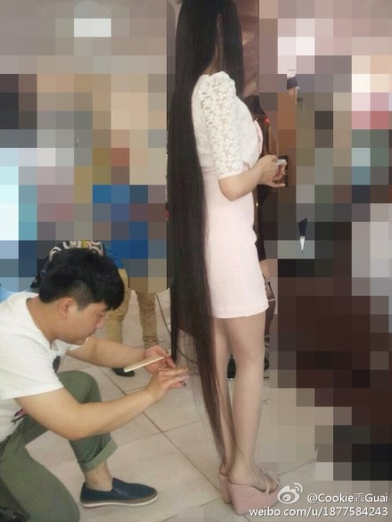 Di Lingchong Trimmed Her Long Hair To Knee Length
