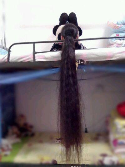 Young Girl Wang Yi From Hefei Never Cut Her Long Hair