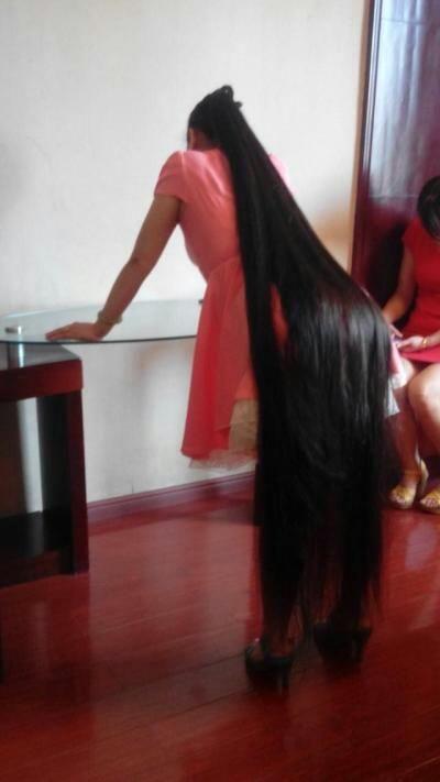 Very Long Hair Lady Grovel On Table Chinalonghair Com