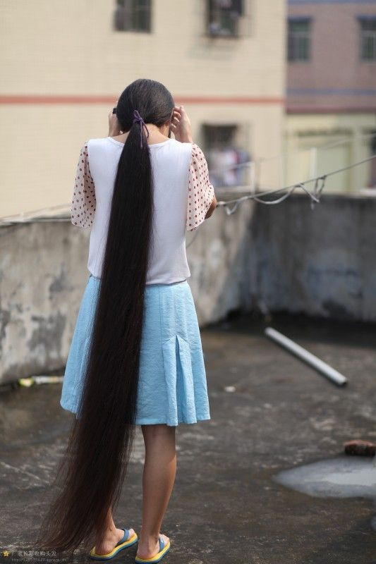 Very Beautiful Long Hair Girl On Roof Chinalonghair Com
