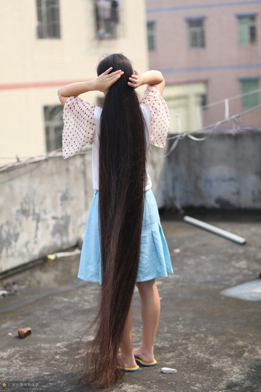 Very Beautiful Long Hair Girl On Roof Chinalonghair Com