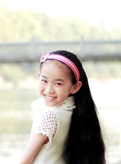Young Girl Xiong Xin Has Double Braids Chinalonghair Com