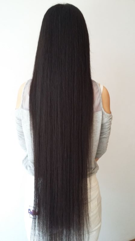 Hip length long hair in Shanxi province